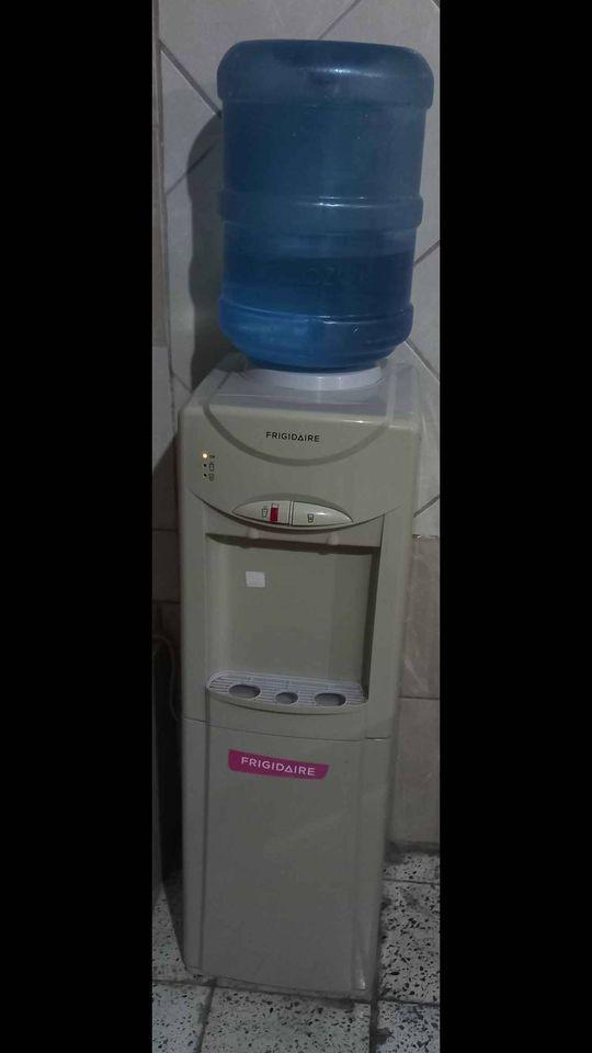 Se vende dispensador de agua o oasis