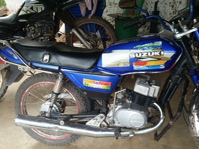 Moto suzuki ax100